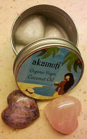 Bio panenský kokosový olej Akamuti v krabičke