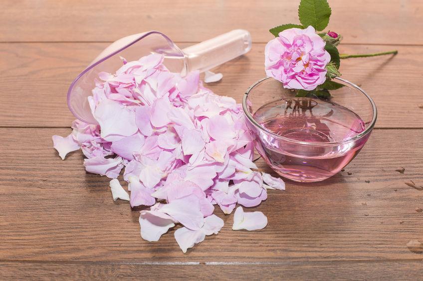 Ružová pleťová voda