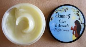 Nočný krém Oliva a Avokádo od Akamuti