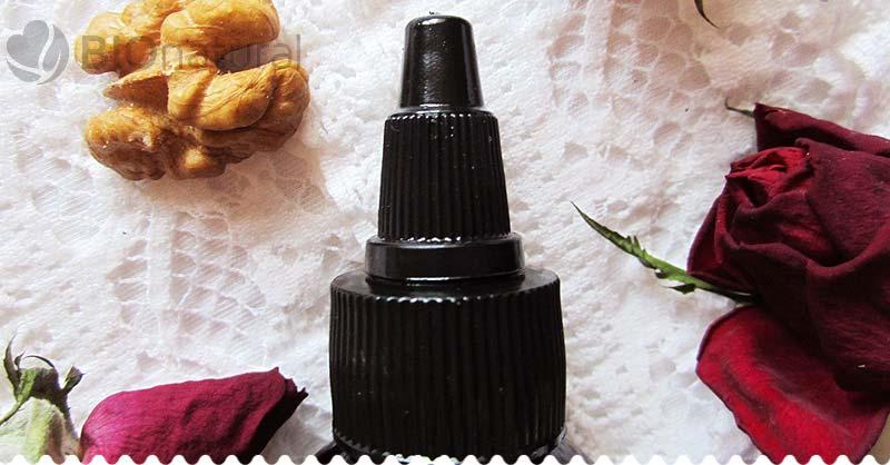 Vlasová terapia s čiernym ricínovým olejom detail