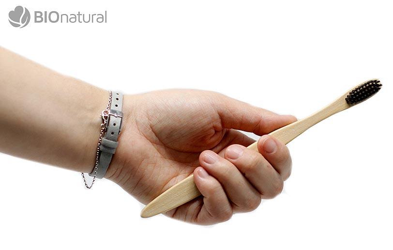 Bambusová zubná kefka Charcoal