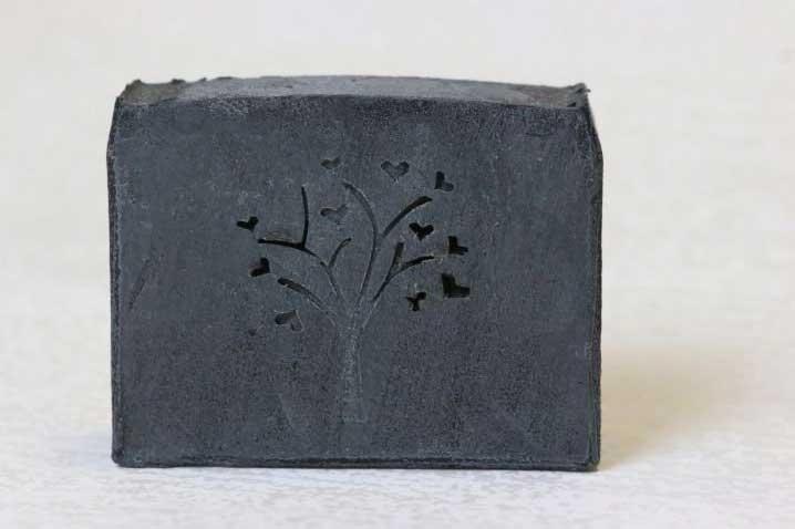 Čierne uhlie, mydlo 100 g