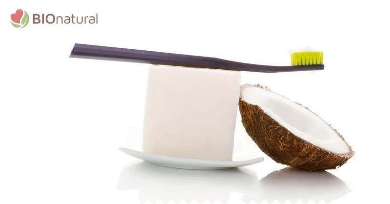Domáca zubná pasta s kokosom